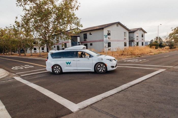Waymo为自动驾驶汽车发布新版《事故与应急指南》