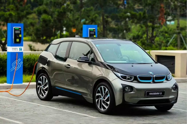 宝马新能源,新能源汽车,电动化