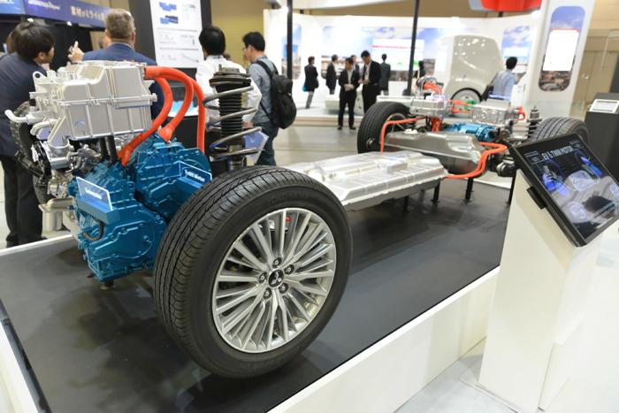 三菱汽车新款欧蓝德PHEV搭载更大容量电池 续航里程增至65公里
