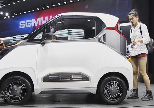 2018广州车展探馆 宝骏E200微型电动车航里程210km