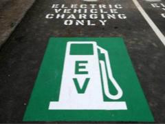 """补贴退坡力度增大 """"断奶""""后的新能源车企该何去何从?"""
