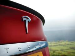 服务自动驾驶 特斯拉申请更精确定位技术专利