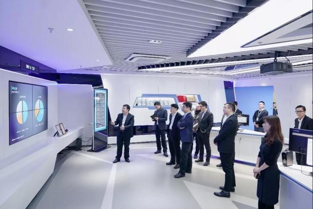 华人运通中国移动战略合作,5G车联网 ,华人运通