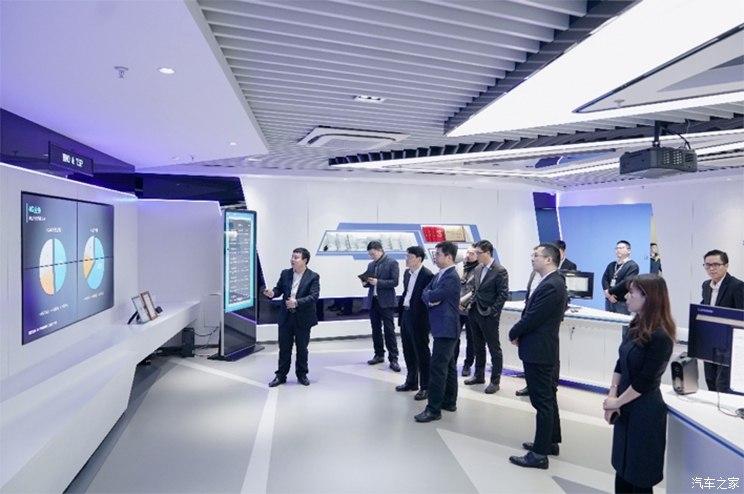 构建5G车联网 华人运通与中国移动合作