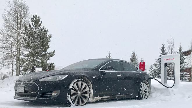 美国汽车协会:极端天气严重制约电动汽车续航里程