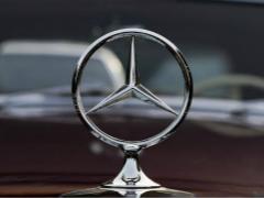奔驰1月在华销量超7万辆 轿车占比超五成
