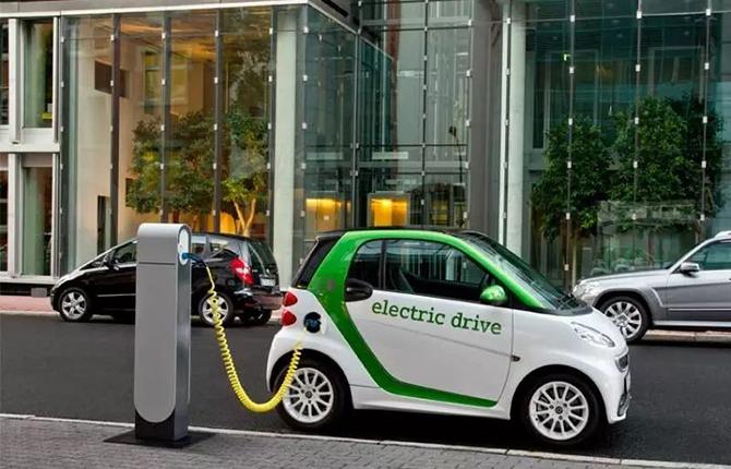 汽势传媒丨等速还是工况?新能源汽车续航里程的无解之题 !