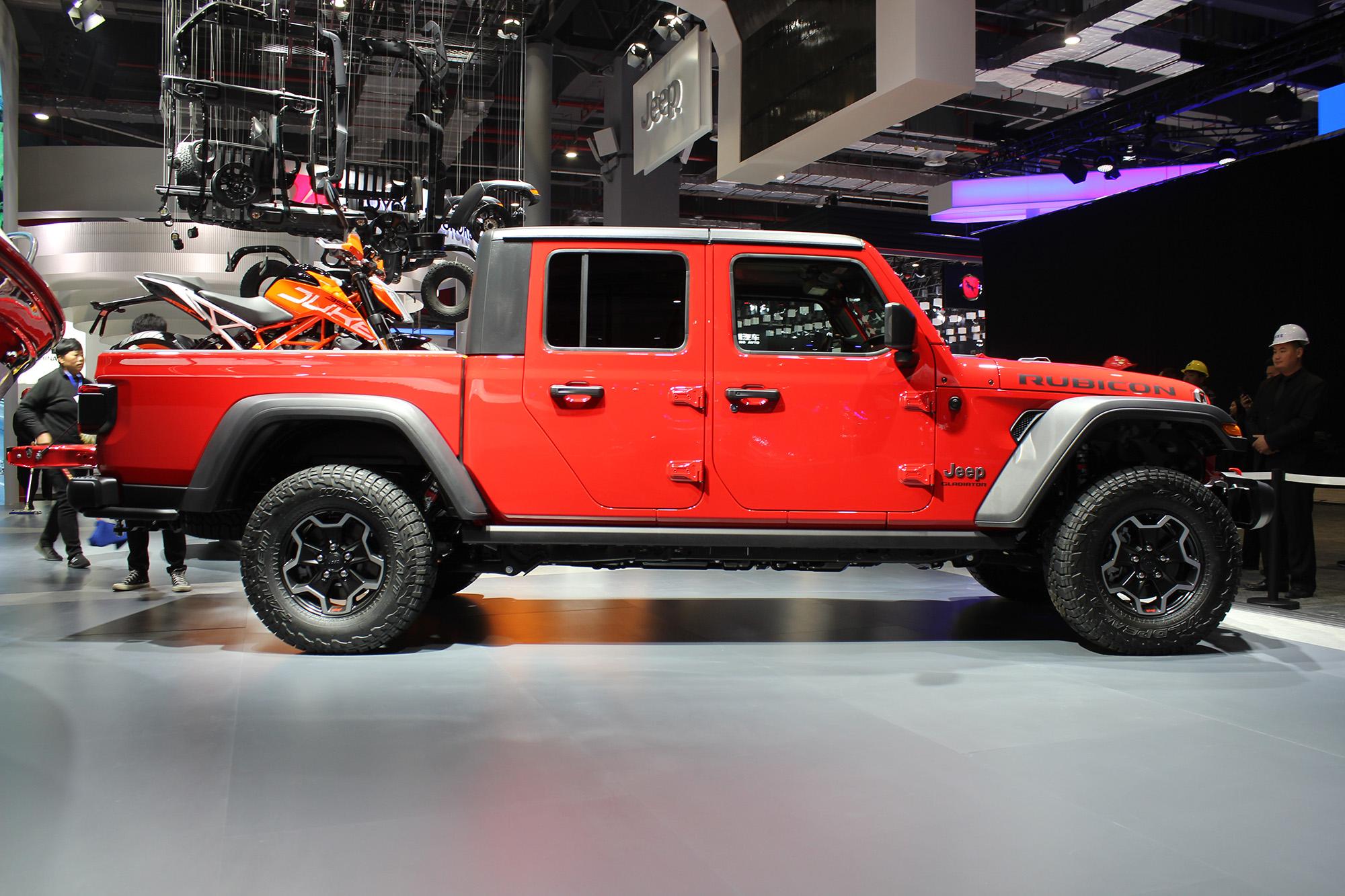 与牧马人同平台打造 Jeep Gladiator正式亮相