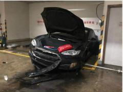 一个月内第三起 香港一辆特斯拉突然起火自燃