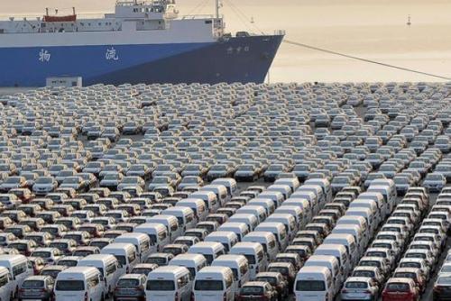 外媒:特朗普预计推迟征收进口汽车关税