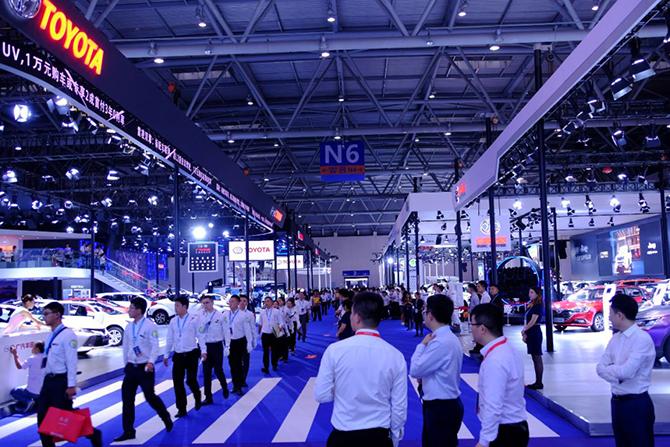汽车公社丨重庆车展,为卖车而生