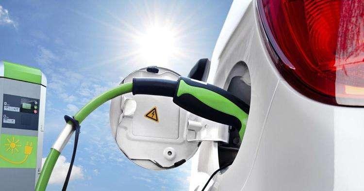 新能源汽车取消限购在即?听听专家怎么说