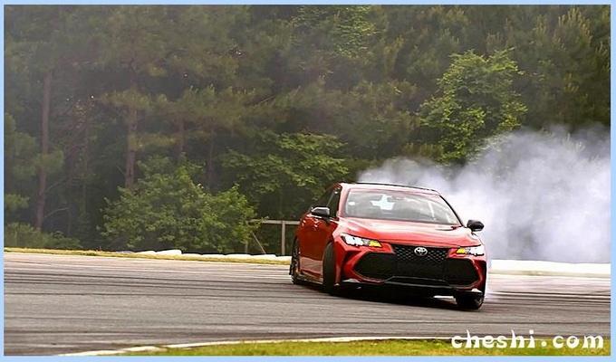 丰田亚洲龙性能版亮相 搭3.5L V6发动机/8月上市