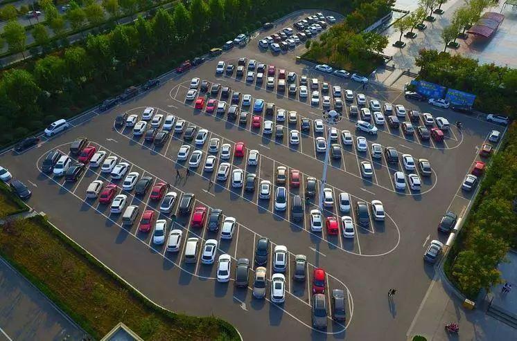 汽车公社丨凭新车效应突围 为啥越来越难了?