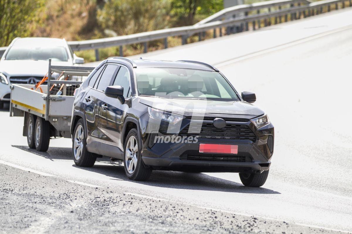 丰田RAV4插混版曝光 燃油经济性大幅提高