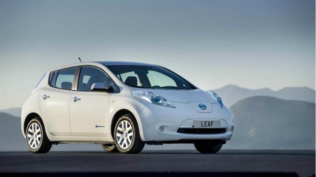 日本拟要求电动汽车明示电池衰减情况 推动电池再利用