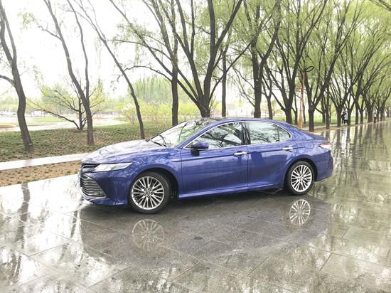 中国消费网 | 试驾凯美瑞油电混动版:一段旅程 几多精彩