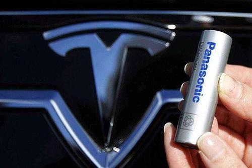 特斯拉与松下签署三年锂离子电池定价协议