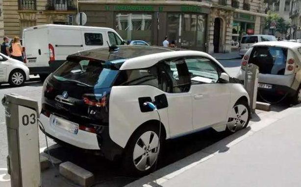 英国考虑2030年禁售燃油及混合动力汽车