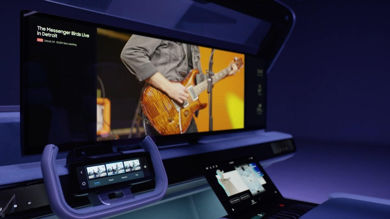 拓展音乐会体验新边界,哈曼发布实时互动虚拟体验和个人音响头枕平台